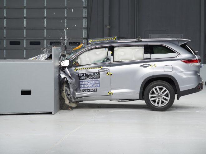 2016 Toyota Highlander IIHS