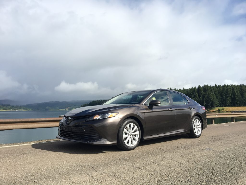 first drive 2018 toyota camry the intelligent driver. Black Bedroom Furniture Sets. Home Design Ideas