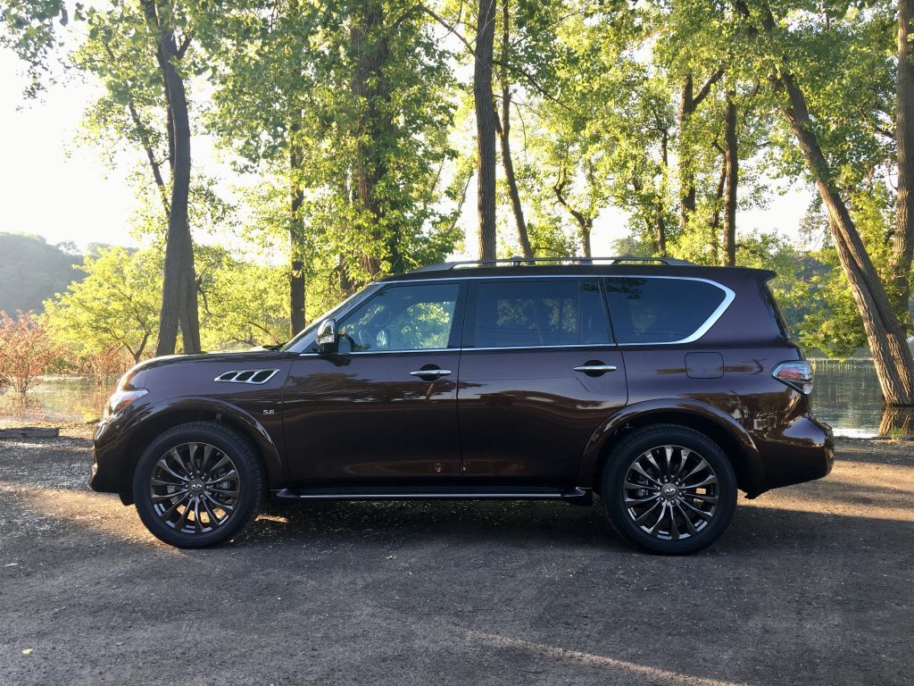 road test 2017 infiniti qx80 limited the intelligent driver. Black Bedroom Furniture Sets. Home Design Ideas