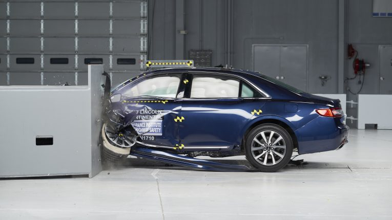 Lincoln Continental IIHS