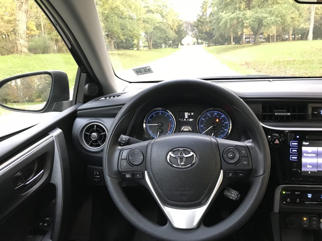 Road Test: 2018 Toyota Corolla XLE - The Intelligent Driver