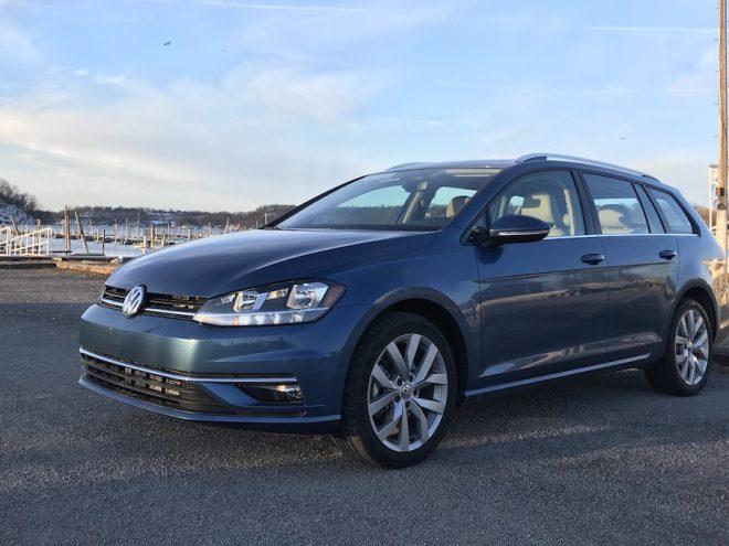 2018-VW-Golf-SportWagen