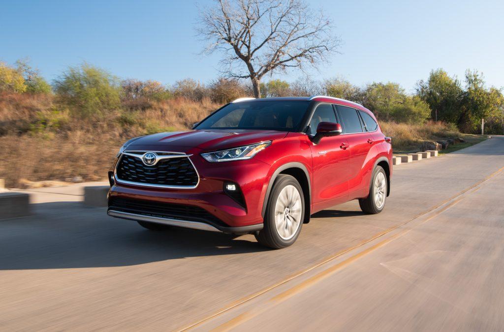 2020_Toyota_Highlander_Platinum_Hybrid_AWD