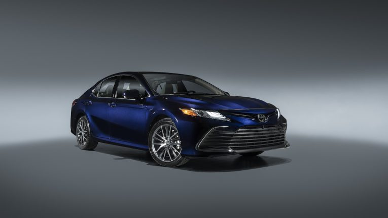 2021 Toyota_Camry_XLE_001